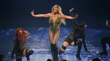 did she do it again? britney's first uk show since 2011
