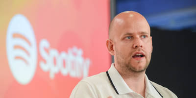 spotify in talks to buy soundcloud: report