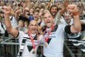 hull fc's gareth ellis and danny houghton joint-winners of...
