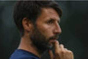 Lincoln City boss Danny Cowley closes in on ex Premier League...