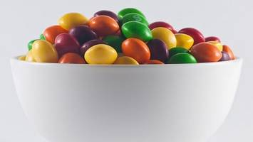 trump jr's skittles graphic deleted from twitter
