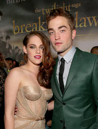 Robert Pattinson Kristen Stewart Reuniting? If Love Being Rekindled Or Is A Twilight Movie The Reason?