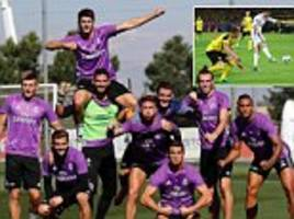 Cristiano Ronaldo and Real Madrid team-mates tense muscles while posing for post-training pic