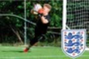 grimsby town goalkeeper dean henderson called up to england...