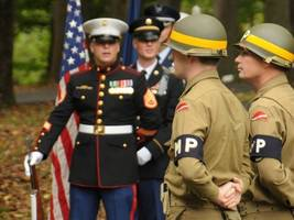 medal of honor recipient, formally stationed in horsham, speaks at local event