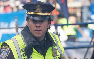 mark wahlberg as first responder of boston marathon bombings in 'patriots' day' teaser trailer