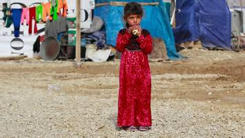 syrian refugees trapped in lebanon's bekaa valley