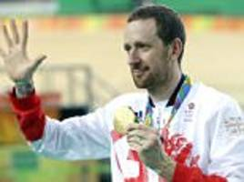 bradley wiggins comes under fire from team sky cyclist nicolas rocheover use of tues: 'ethically it's wrong'