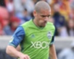 seattle sounders 0-0 houston dynamo: alonso sent off as hosts held