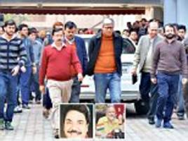 l-g crackdown: cm arvind kejriwal faces 'nepotism' charge after shunglu committee finds out his relative's appointment 'was done without the post being advertised publically'
