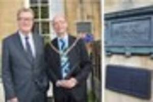 Plaque for British Admiral who founded modern Australia unveiled...