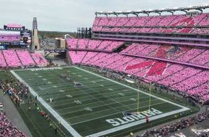 Patriots raise breast cancer awareness with incredible display at Gillette Stadium