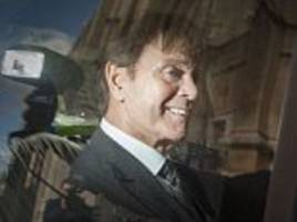 sir cliff richard meets mps and peers to demand a change in the law to ensure those accused of sex crimes are anonymous until they are charged