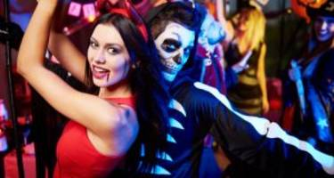 10 Halloween Costumes for Couples: Brilliant Last-Minute Halloween Costume Ideas For Couples