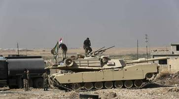 Kurds pause in Mosul offensive while Iraqi army advances