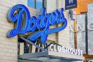 How to Watch Cubs-Dodgers National League Championship Series Baseball Game 3 Live Stream Online
