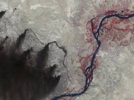 these satellite photos reveal the scorched earth that isis is leaving behind in the battle for mosul