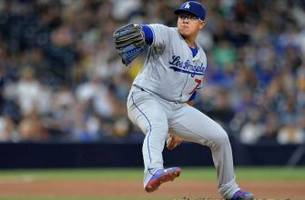 In NLCS Game 4, elder Lackey faces youngster Urias