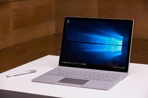 [VIDEO] Microsoft Surface Pro 5 Boasts These iPad Pro 2 Killer Features; Plausible Launch At Windows 10 Event