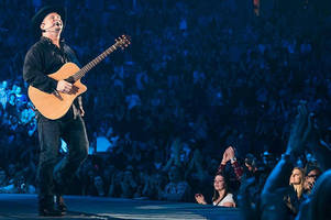 garth brooks finally playing the streaming game: singer inks amazon music deal