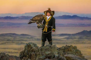 'The Eagle Huntress' Is an 'Antidote' to Trump Locker Room Talk, Director Says (Video)