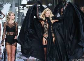 Yikes! Taylor Swift Reportedly Kicks Karlie Kloss Out of Her Squad Because of This Reason