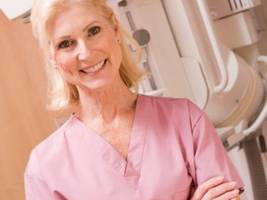 Breast Cancer Navigator Guides Patients at Dolan Family Health Center