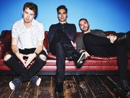 busted take it 'easy' in this new clip