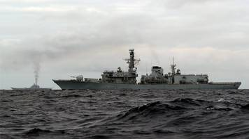 Russian warships to pass through English Channel