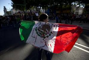 mexico arrests ex-chief of police in city where 43 students disappeared