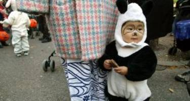 The 9 Most Endearing Halloween Costumes for Your Infant