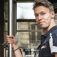 toro rosso to keep kvyat next season