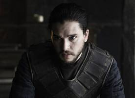 'game of thrones' season 7 set pics: first look at kit harington in full costume