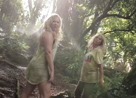 Watch Amy Schumer and Goldie Hawn Parody Beyonce's 'Formation' Video