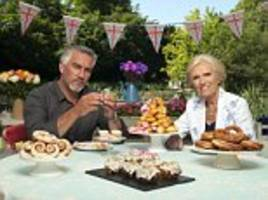 Paul Hollywood and Mary Berry do NOT make the 'perfect' examples they show on GBBO