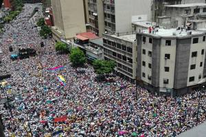 venezuela braces for revolution after maduro blocks recall referendum