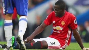eric bailly: man utd defender suffers 'bad knee injury'