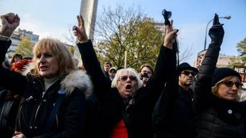 Poland abortion: Fresh protests over planned restrictions