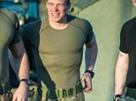 sas soldiers kitted out in clothing made from new form of wool