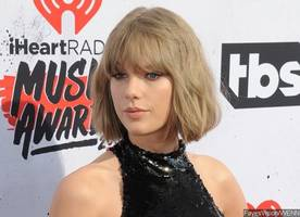 Taylor Swift Details Alleged Groping in Deposition: I Felt 'Distressed' and 'Violated'