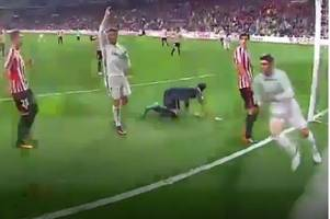 Cristiano Ronaldo did NOT wave for Real Madrid's winner to be ruled out