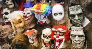 10 Best-Selling Halloween Costumes at Spirit Halloween Stores For Toddlers, Men, and Women!