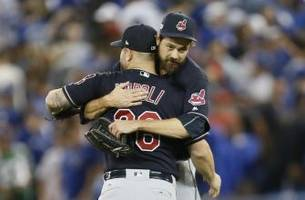 andrew miller and aroldis chapman meet again, this time as opponents