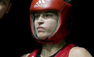 katie taylor ponders move to professional ranks