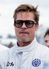 democrat brad pitt changes political stance; 'troy' actor publicly endorses donald trump?