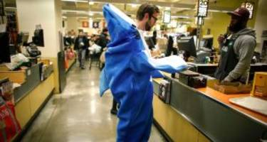 men's halloween costumes 2016: 13 men's costumes that are fantastic, frightening, and funny