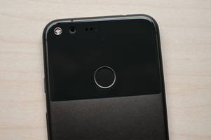 Fret not, Pixel owners: A fix is on the way for your camera lens flare issue