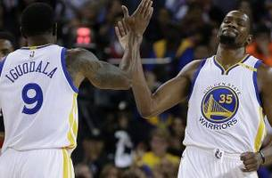 Kevin Durant's first bucket as a Warrior is silky smooth