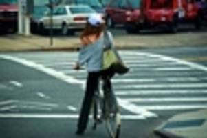 City Council Will Consider Letting Cyclists Follow Pedestrian Signals