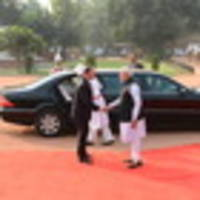 pm john key gets red carpet welcome to new delhi amid tight security